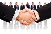 Handshake obchodního partnera po rozdání — Stock fotografie