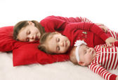 Sleeping sisters waiting for Christmas — Stock Photo