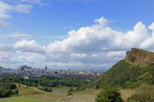 Edinburgh and Salisbury Crags — Stock Photo