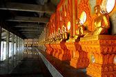 будда в храме таиланда. — Стоковое фото