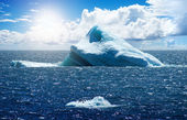 Antarctic ice island — Foto de Stock