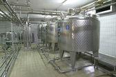 Temperatura controlada tanques de pressão na fábrica — Foto Stock