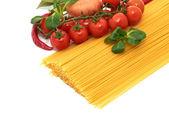 Italiensk pasta spagetti med grönsaker — Stockfoto