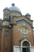 Kyrkan från modena — Stockfoto
