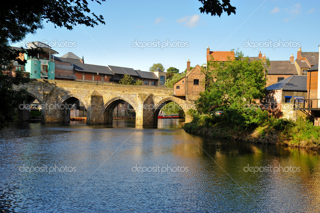 River Wear and bridge in Durham England — Stock Photo #4168256