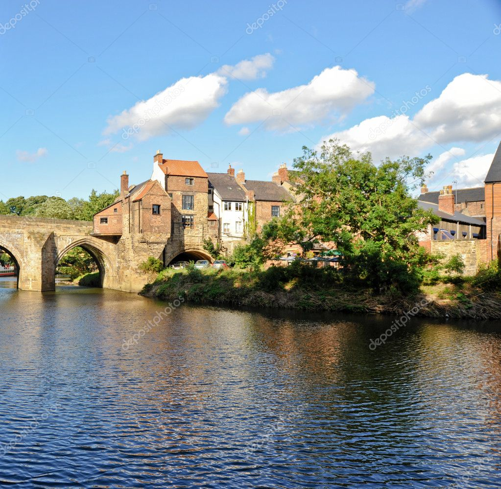 River Wear and bridge in Durham England — Stock Photo #4168258