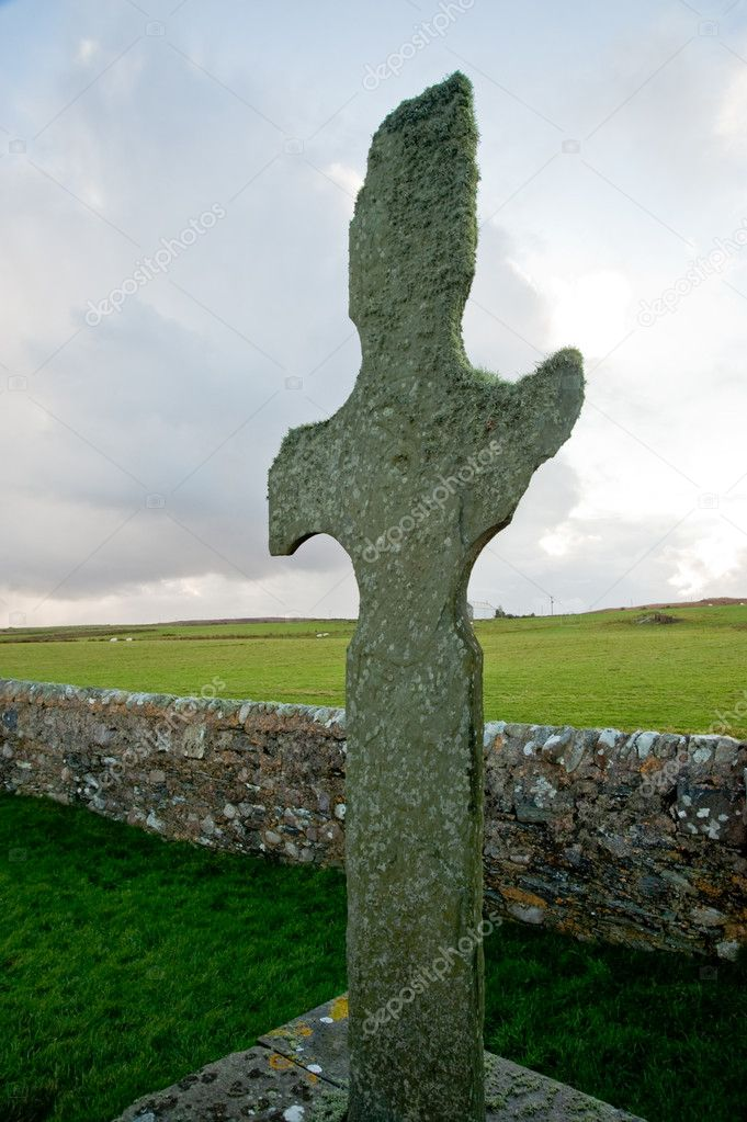 Cross outside Kilnave parish church, Islay — Stock Photo #4899770