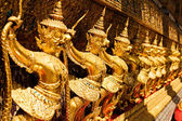 Golden garuda sculpture at Royal Palace, Bangkok — Stock Photo