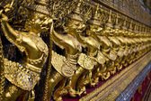 Garuda dorata nel grand palace, bangkok — Foto Stock