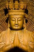 Mil manos de imagen de dios hacen de arte chino en talla de madera — Foto de Stock