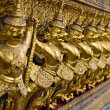 Golden Garuda in Grand Palace Thailand - Stockfoto