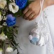 Wedding bouquet and hand — Stock Photo