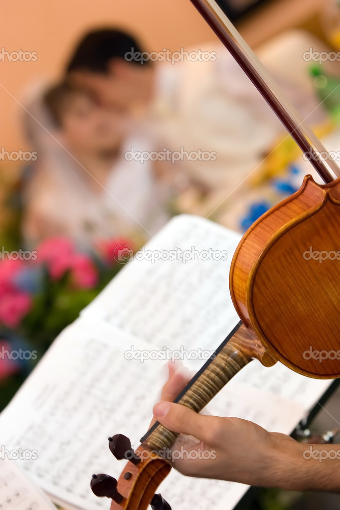 Man and woman feeling love by music — Stock Photo #4236936