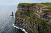 The Great Sea Stack at the Cliffs of Moher — Stock Photo