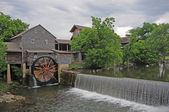 Old water wheel — Stock Photo