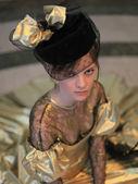 Красивая женщина в шляпке с вуалью — Stock Photo