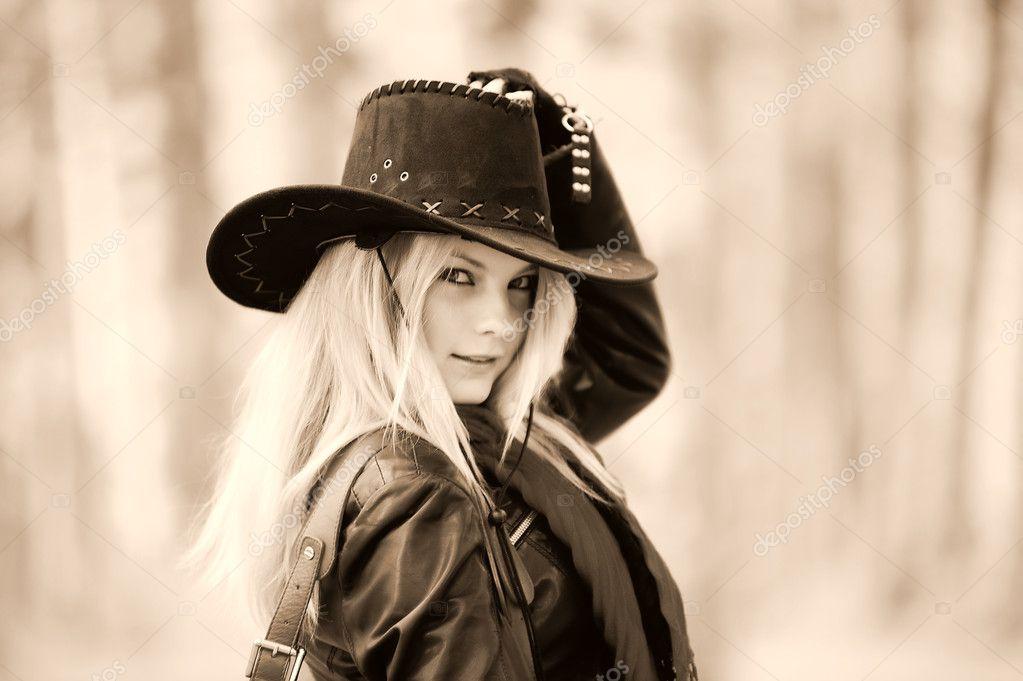 Фото девушек в ковбойской шляпе 24 фотография