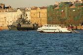 Bitevní loď v řece něvě — Stock fotografie