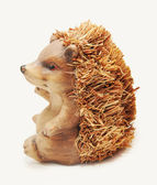 Wooden hedgehog sculpture — Stockfoto