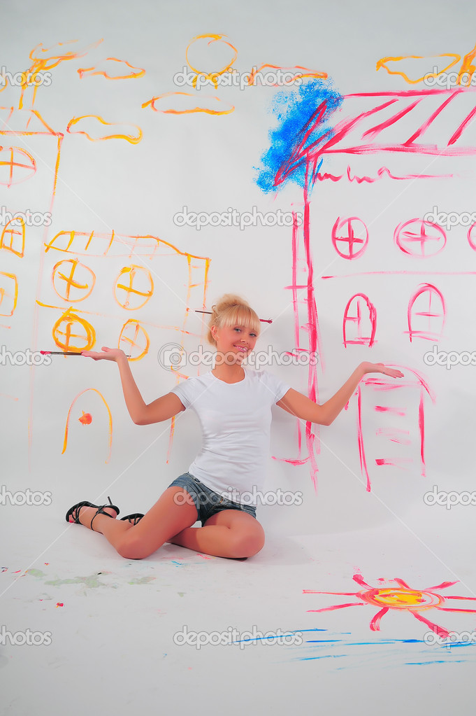 Drawing a girl on the wall — Stock Photo #4884891