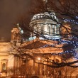 St. Isaac;s Cathedral at night — Stockfoto