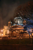 St. Isaac's Cathedral at night — Stock Photo