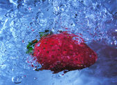 Bubbly strawberry — Stock Photo