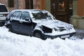 Car in snow — Stock Photo