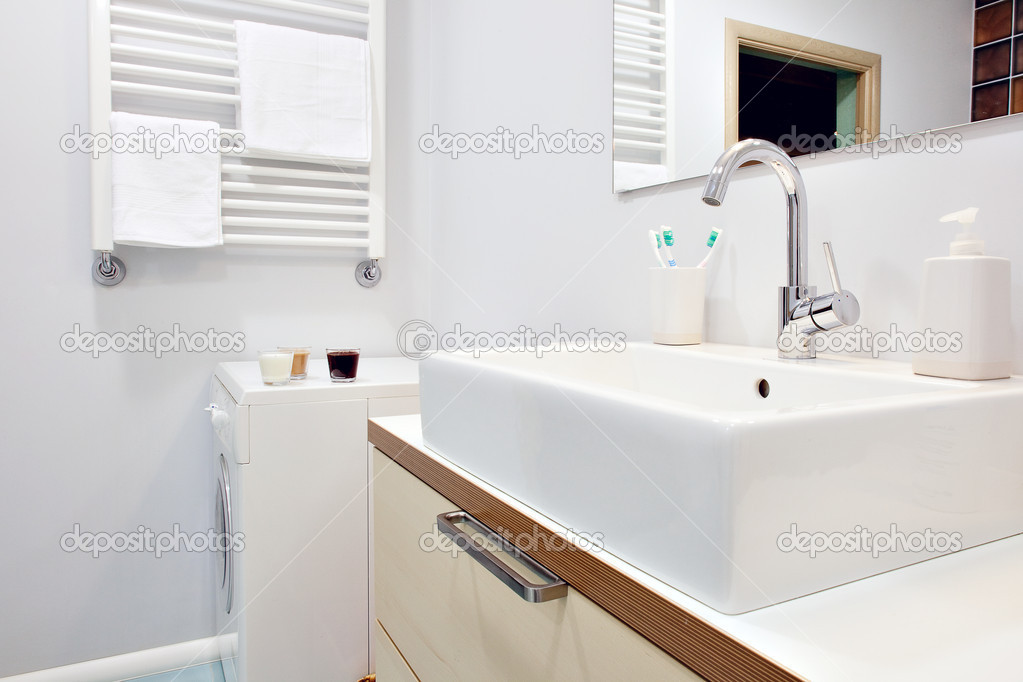 Modern bathroom interior — Stock Photo #4326844