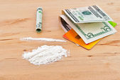 Drugs, money and credit card — Stock Photo