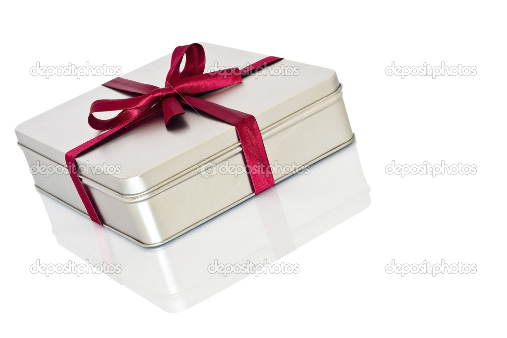 Decorated gift box with red ribbon. — Stock Photo #4372489