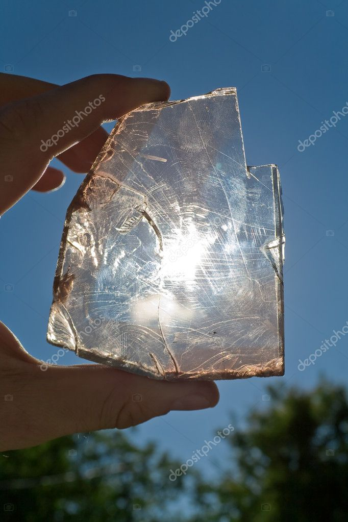 The topaz stone in hand. photografed without filters — Stock Photo #4314288