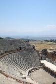 Amphitheater in ancient city Hierapolis. Pamukkale, Turkey. — Stock Photo