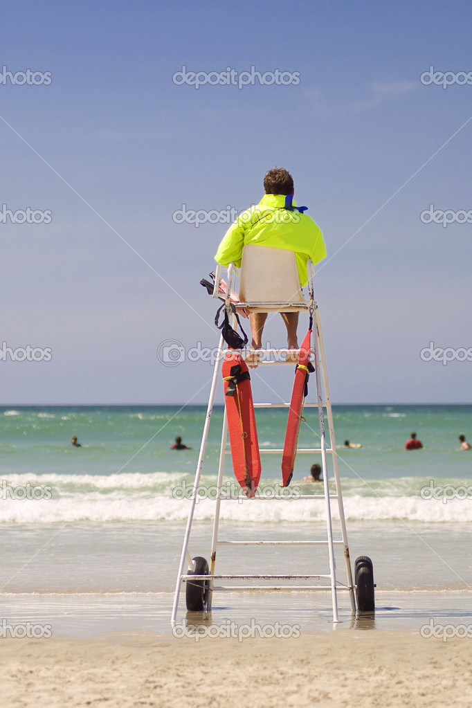 maitre nageur sauveteur a la plage  u2014 stock photo  u00a9 saintho  4313418