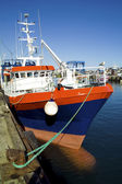 Chalutier dans le port du guilvinec en bretagne — Stock Photo