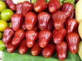 Fruit arrangement – colorful — Stock Photo