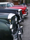 Vintage cars bonnets line — Stock Photo