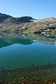 Mountain lake - Djupvatnet lake, More og Romsdal, Norway — Stock Photo