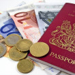 British passport & Euro currency — Stockfoto