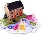 House with euro money notes — Stock Photo