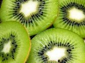 A close up of sliced kiwi fruit — Stock Photo
