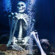 Human Skeleton under water — Stock Photo