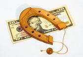 Souvenir-schuh ist auf den banknoten — Stockfoto