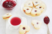 Fruit tea and biscuits — Stockfoto