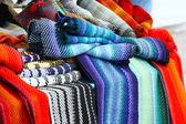 красочные шарфы — Стоковое фото