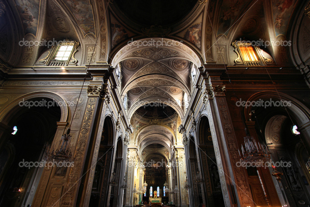 Ferrara, Italy. Cathedral interior. Beautiful religious architecture. — Stock Photo #4456032