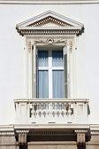 Dekorativa fönster — Stockfoto