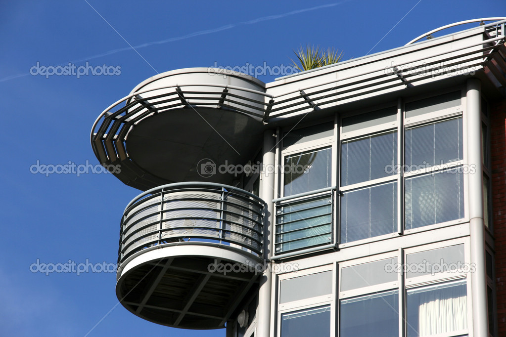 Modern residential architecture in Bristol, United Kingdom — Stock Photo #4464489