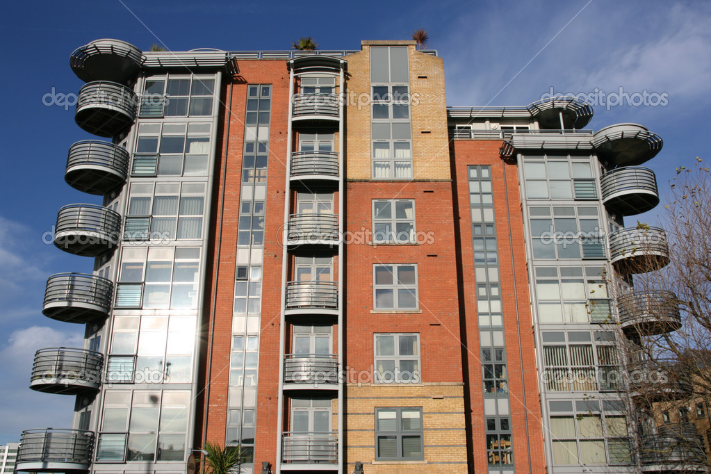 Modern architecture in Bristol, South West England. Apartment building. — Lizenzfreies Foto #4464851