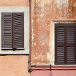 Rome architecture - windows with shutters — Stock Photo